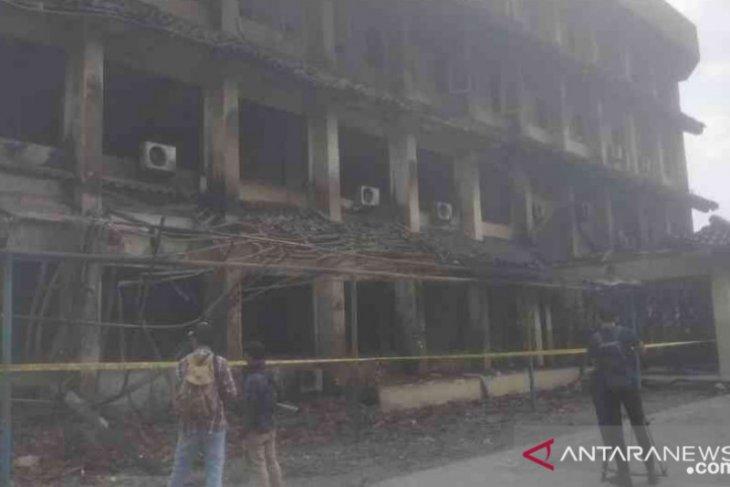 Kebakaran SMK Yadika Bekasi, satu korban siswa kritis
