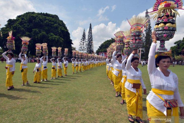Kilas Balik 2019 - 2019 jadi Tahun Penguatan Desa Adat di Bali