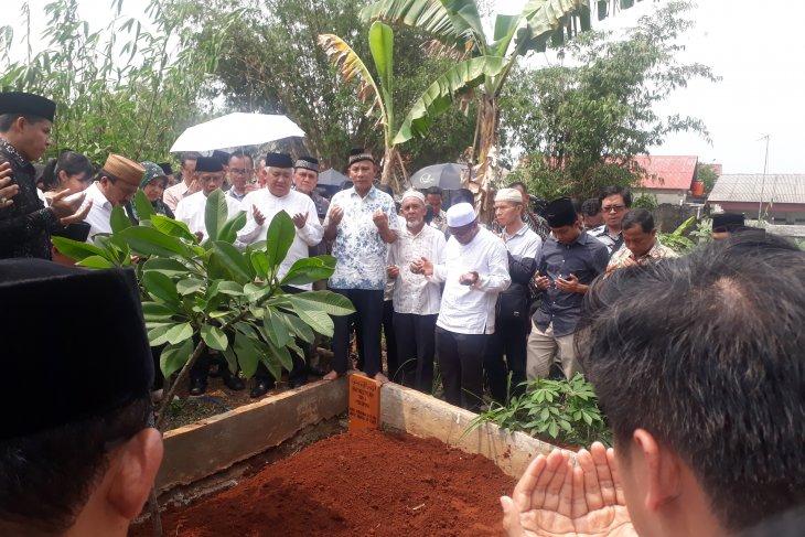 Duka mendalam meliputi pemakaman Ketua PP Muhammadiyah Bahtiar Effendy