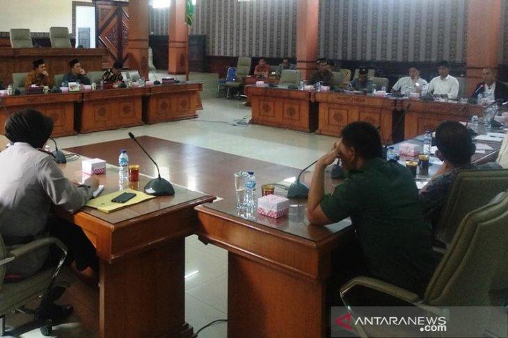 20 tahun belum terima ganti rugi, warga pemilik lahan PLTA datangi DPRK Aceh Tengah