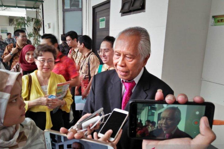 OC Kaligis surati Menteri BUMN  soal pencalonan Chandra Hamzah
