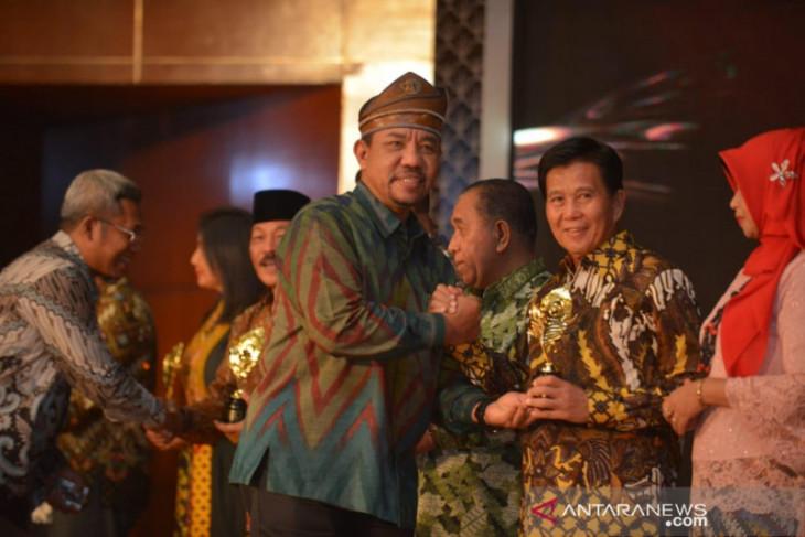Bupati Bangka Tengah Terima Penghargaan API 2019 Kemenpar RI