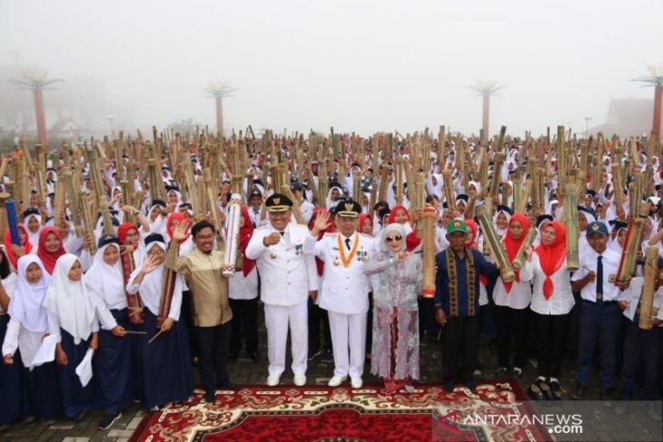 Puncak HUT ke-69 Tapsel, ribuan orang mainkan alat musik tradisional