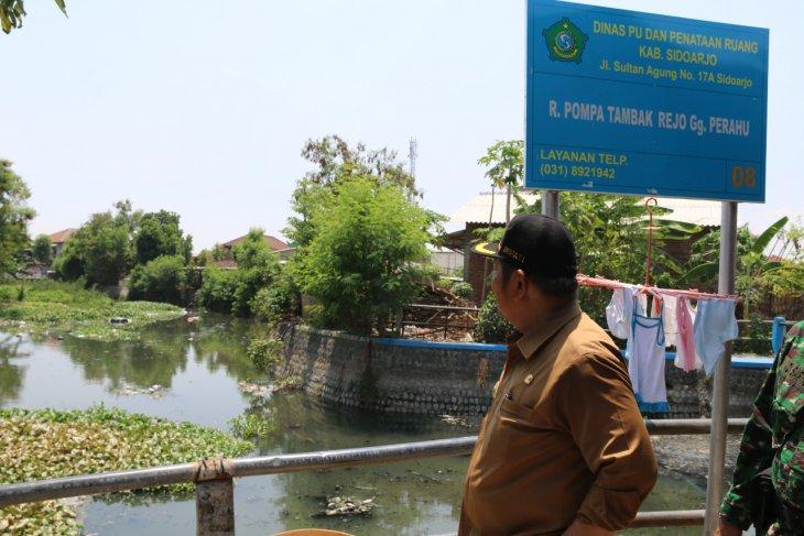Antisipasi banjir saat musim hujan, Pemkab Sidoarjo normalisasi sungai