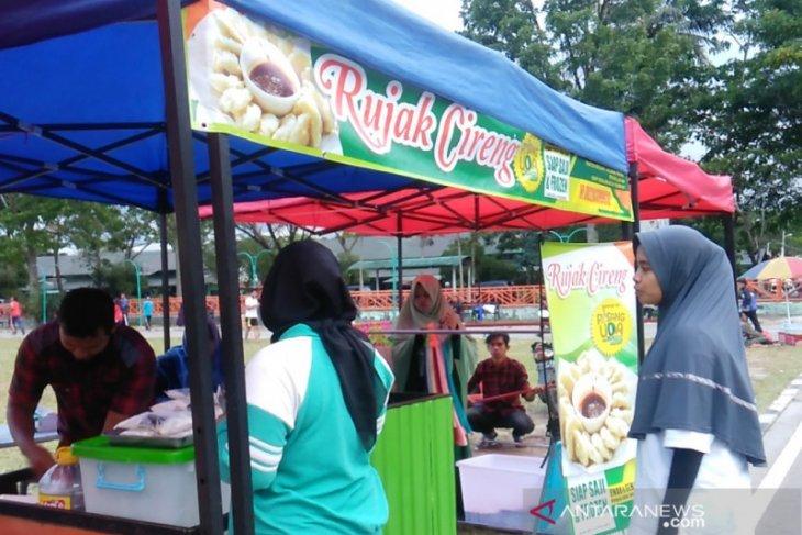 Jajanan khas Jabar laris manis di Bukittinggi