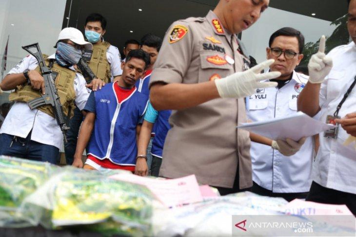Polisi ungkap modus peredaran narkoba dengan bungkus kuaci