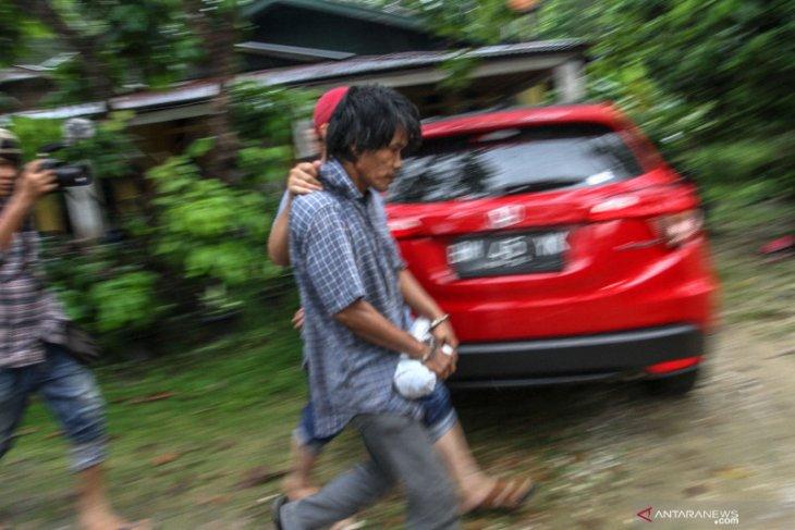 Polisi gerebek rumah produksi narkoba di Pekanbaru, dua tersangka diamankan