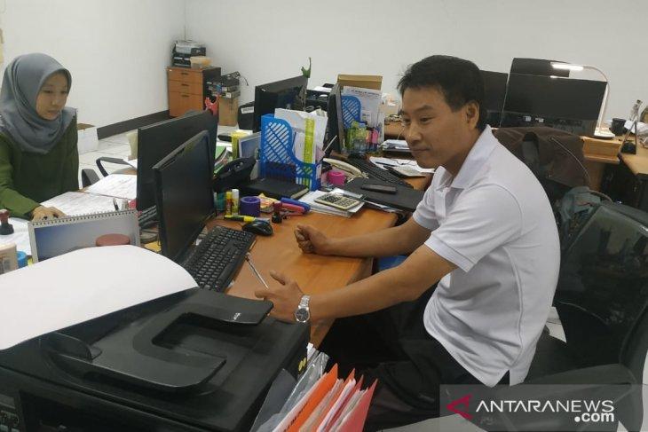 Kantor Imigrasi Karawang memeriksa ratusan tenaga kerja asing