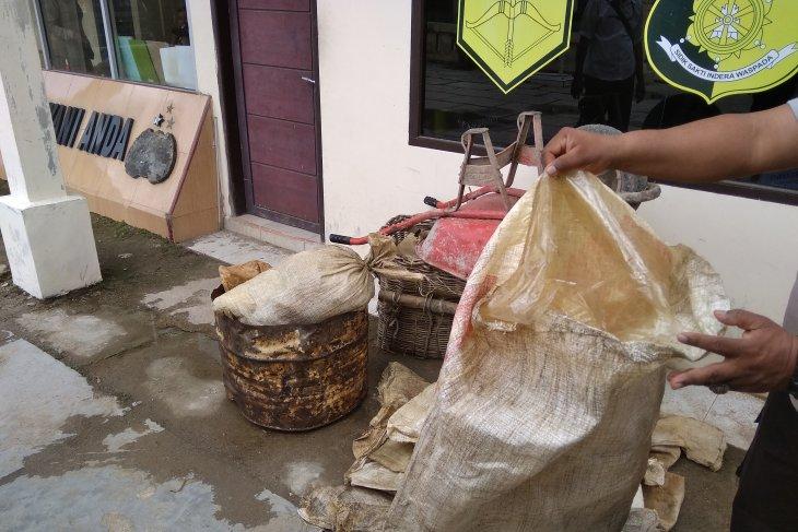 Polisi titipkan minyak mentah hasil curian 1,03 ton ke Pertamina