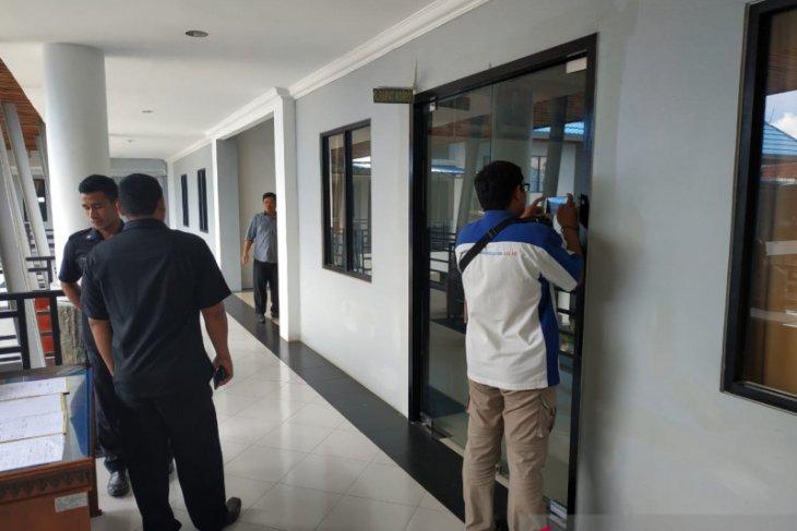 Audiensi guru honor di DPRD Kapuas Hulu tertutup bagi wartawan