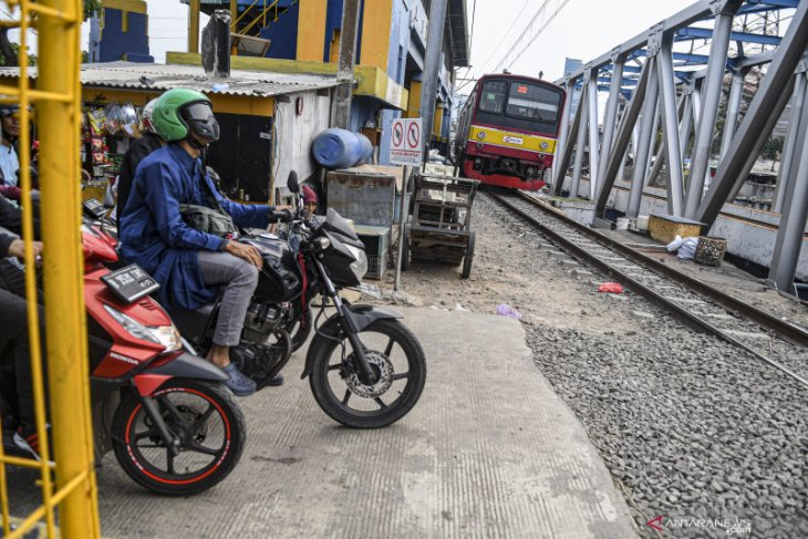 KRL Bogor-Jakarta Kota diperpendek sampai Manggarai
