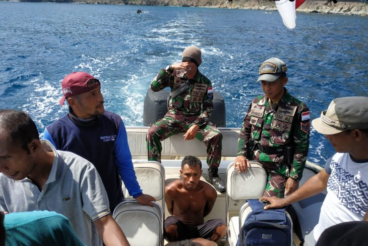 Patrol team arrests two fishermen on charges of blast fishing