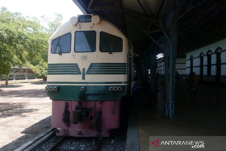Berwisata Dengan Kereta Uap Tua Di Ambarawa Antara News