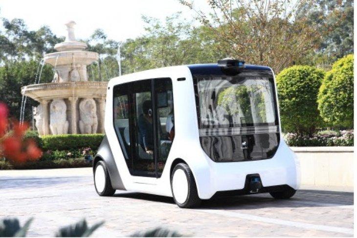 Seedland launches pilot operation of China's first autonomous commuter vehicle: Hachi Auto