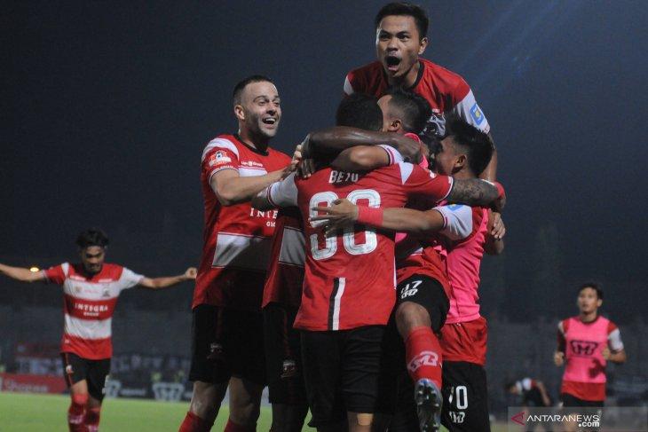 Madura United kalah lawan Persebaya