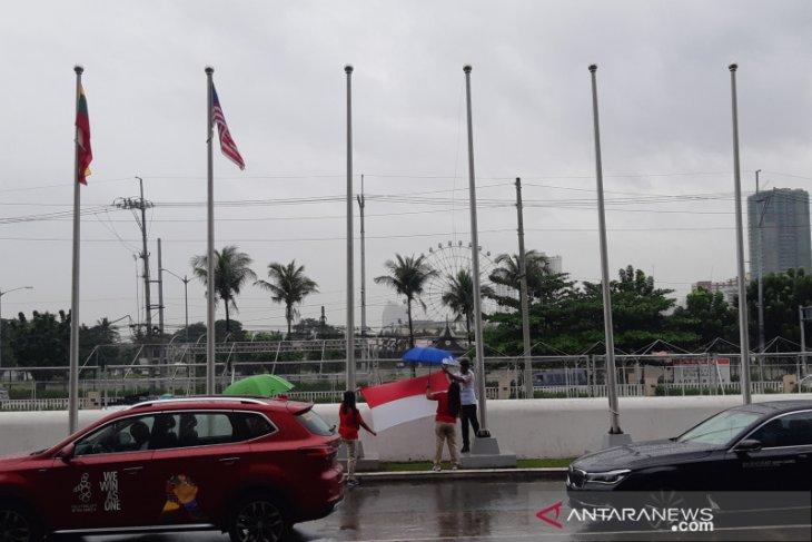 Hujan angin landa Manila, bendera kontingen SEA Games 2019 diturunkan
