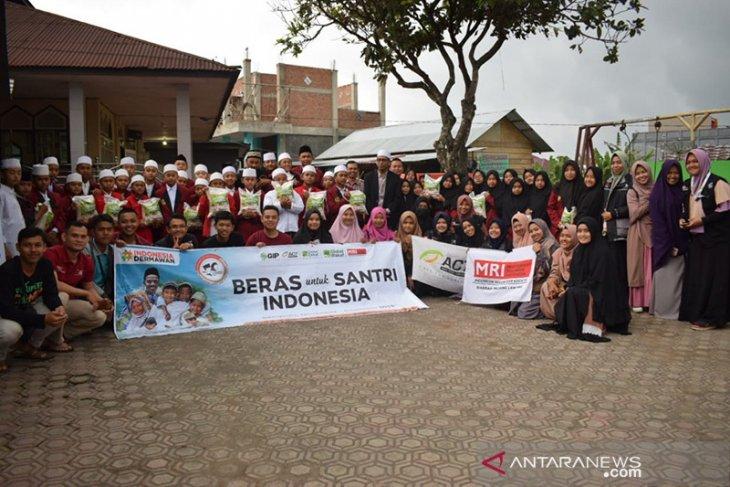 ACT salurkan 500 kg beras untuk santri Bengkulu