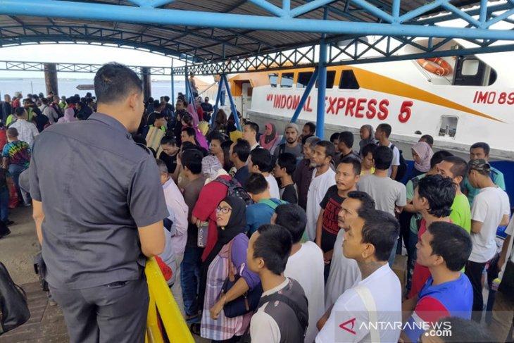 Malaysia deportasi 53 TKI bermasalah via Dumai