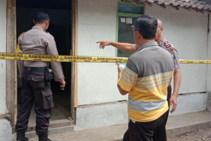 Seorang nenek ditemukan terluka parah di rumahnya, diduga korban percobaan pembunuhan dan pemerkosaan