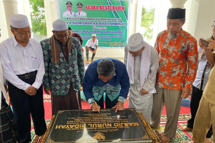 Wali Kota resmikan masjid di Lombok