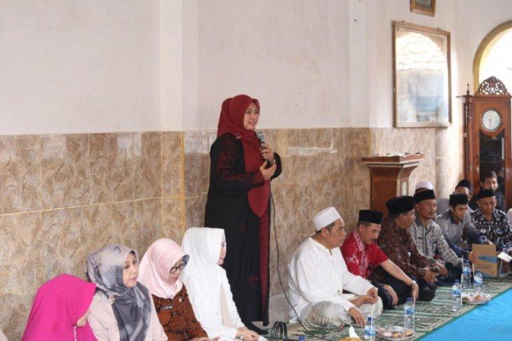 Bupati Pandeglang ajak warga teladani akhlak Nabi Muhammad SAW