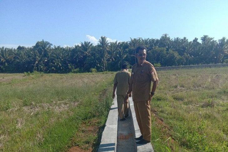 Mukomuko bangun sarana pengairan sawah rawa