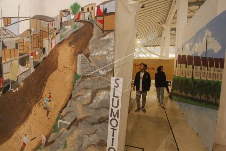 Pameran arsitektur dan seni instalasi