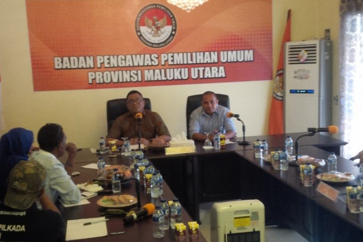 Tiga kecamatan Halut perpanjang pendaftaran Panwascam
