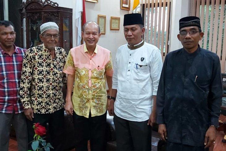 Pemkab Aceh Tamiang umrahkan imam kampung dan da'i