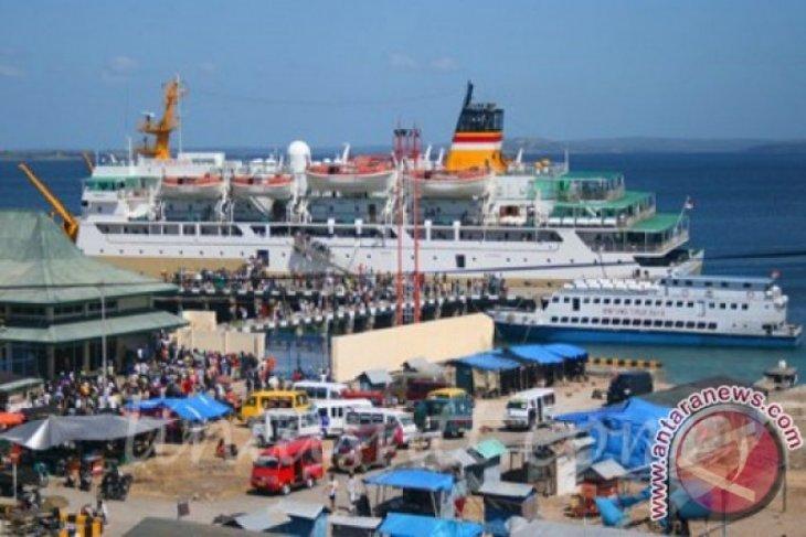 Pelindo III menyediakan bus gratis untuk pemudik di Pelabuhan Tenau