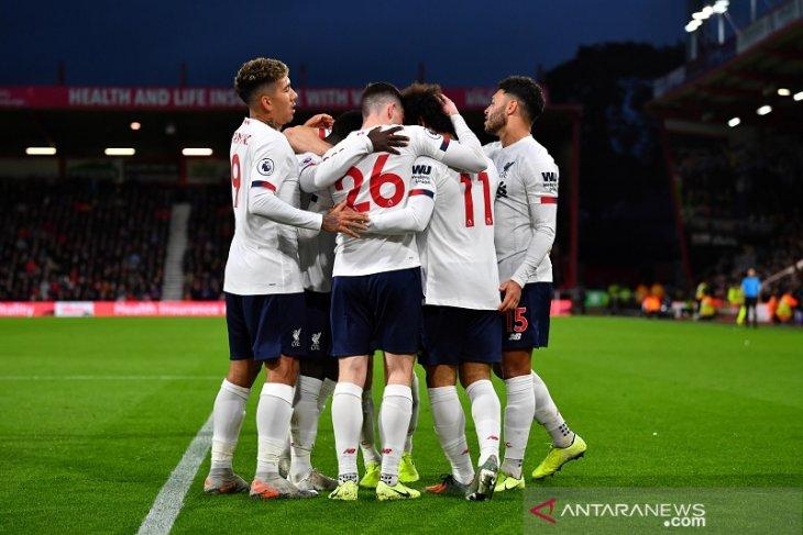 Klasemen Liga Inggris: Liverpool diuntungkan hasil Derby Manchester
