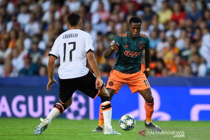 Liga Champions, Ajax masih tak diperkuat Quincy Promes saat lawan Valencia