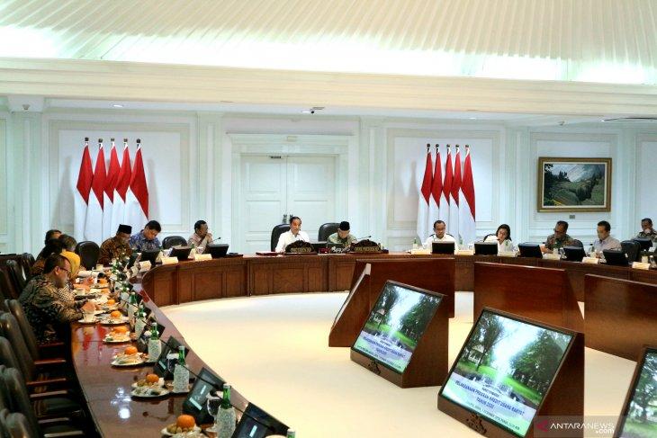 """Presiden Jokowi minta warung kopi lokal diprioritaskan di """"rest area"""""""