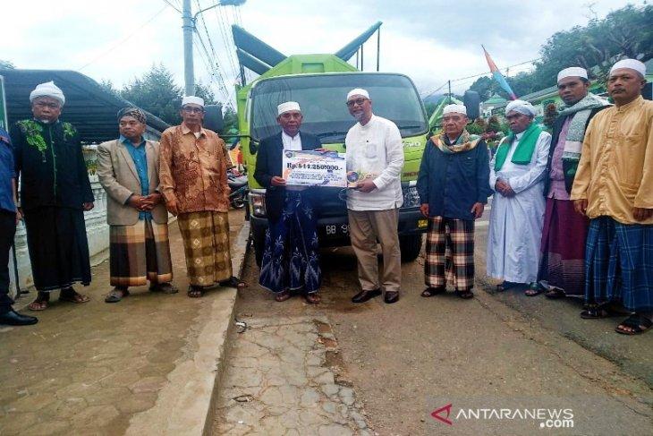 Bank Sumut serahkan truk sampah ke Pesantren Musthofawiyah