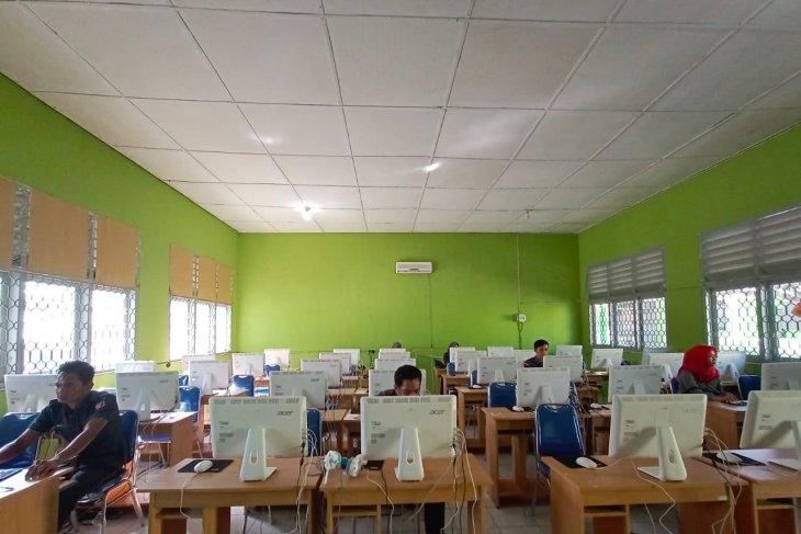 Bawaslu Bangka Tengah gelar seleksi anggota panwascam berbasis komputer