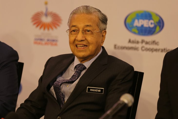 Harness APEC's strength to overcome challenges: PM Mahathir