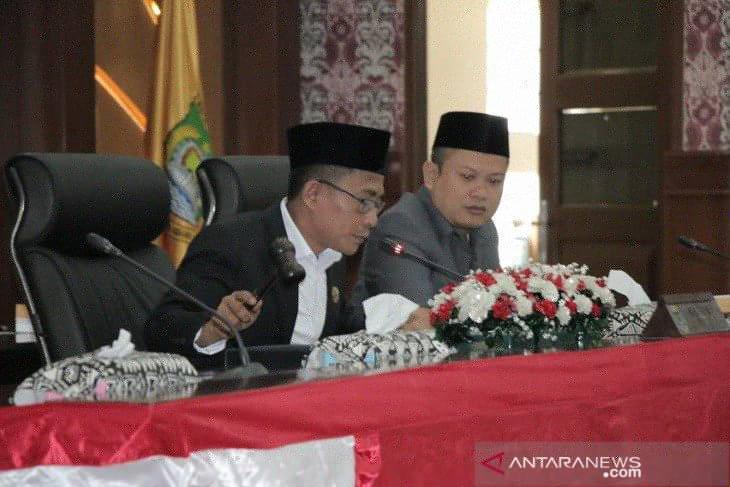 DPRD bersama Pemkot Tangerang sambut baik penyederhanaan regulasi