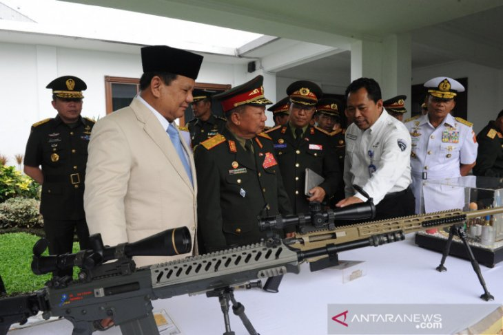 Indonesia, Laos enter cooperation agreement in defense sector