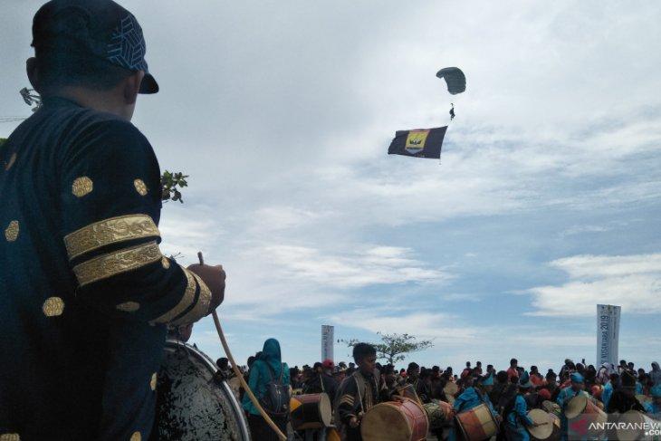 Lantamal II kerahkan puluhan penerjun meriahkan Hari Nusantara