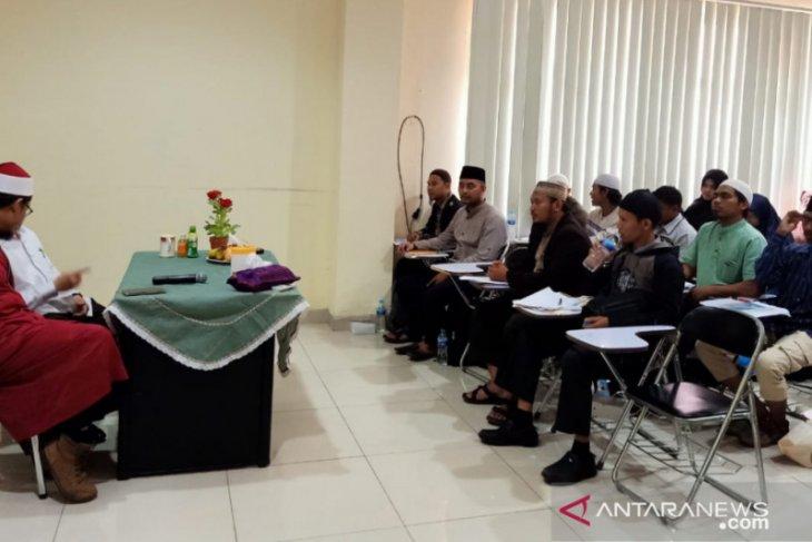 Komunitas Tahsin Al Ghozy latih teori tajwid untuk guru baca Alquran