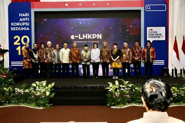 Penerima penghargaan LHKPN dari KPK