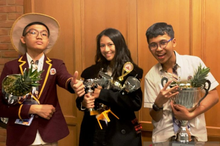 Indonesian students bag multiple trophies at World Scholar's Cup