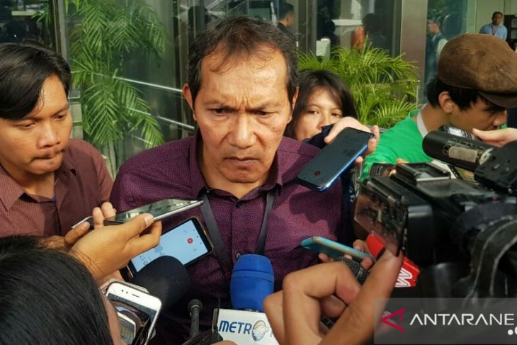 Saut Situmorang: ada 12 pegawai mundur terkait UU KPK baru