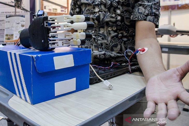 Pameran produk penelitian inovasi ITB