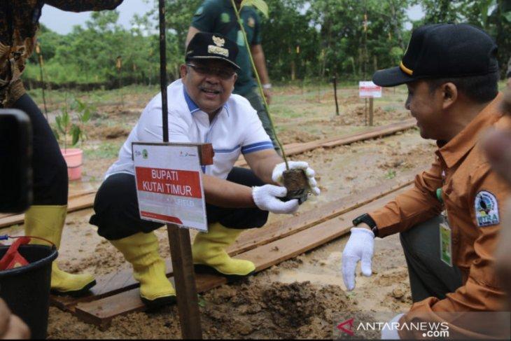 Bupati Kutim ajak masyarakat jaga kelestarian lingkungan