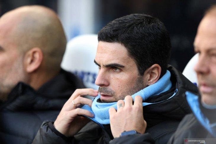 Bos Manchester City Guardiola perkirakan kepindahan Arteta ke Arsenal segera diputuskan