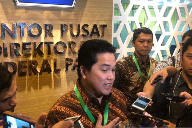 Dengar nama cucu usaha BUMN Garuda Tauberes, Erick Thohir tertawa