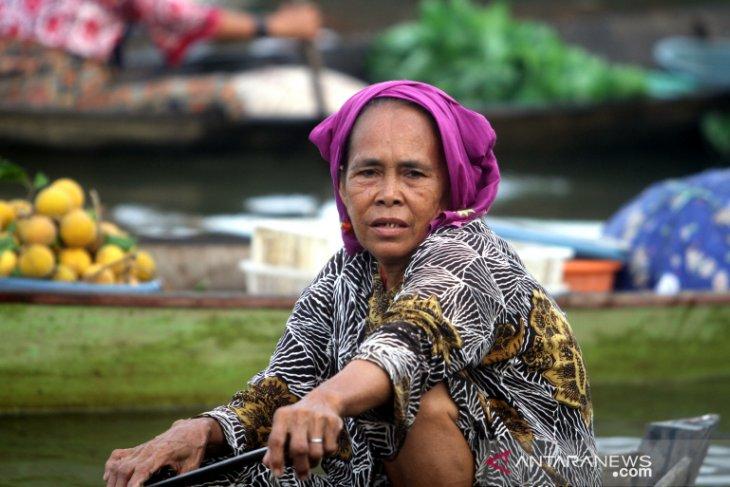 Wisata Pasar Terapung Lok Baintan
