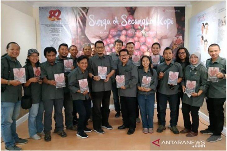 HUT Ke-82, LKBN ANTARA Jatim luncurkan buku
