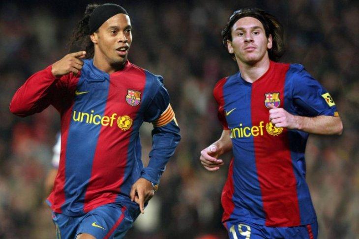 Ronaldinho enggan akui Messi sebagai  pemain terbaik sepanjang masa